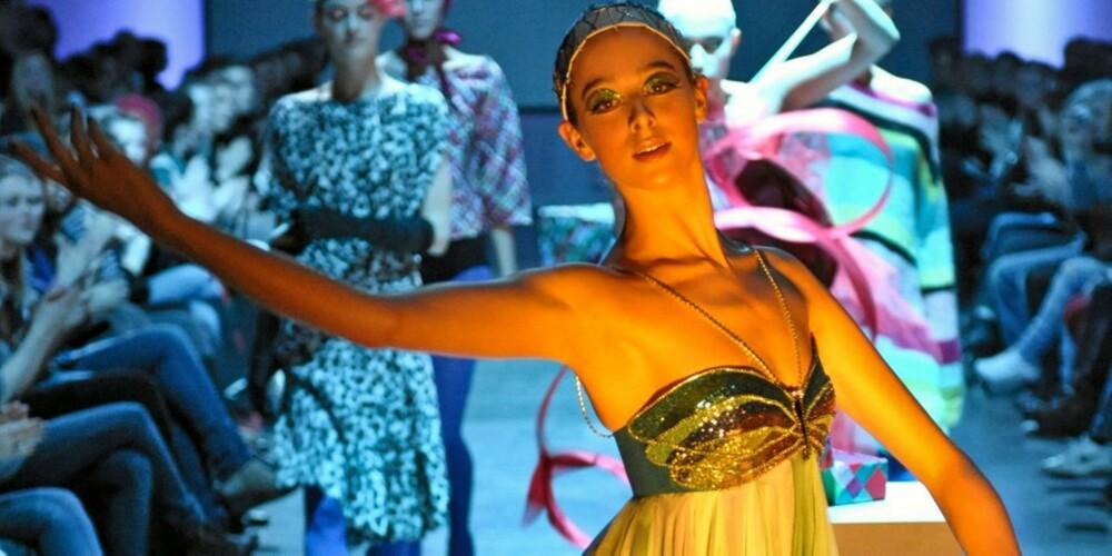 PERLER: Ingunn Birekland sine kjoler med håndsydde perlemønster var nydelige.