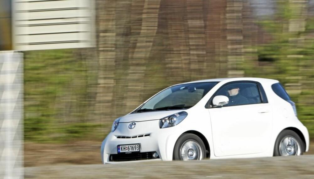 HVIT INTELLIGENS: Men den bruker mye bensin, størrelsen tatt i betraktning.