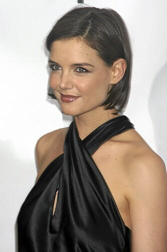 Stylisten til Katie Holmes anbefaler minrealvann til hårvasken.
