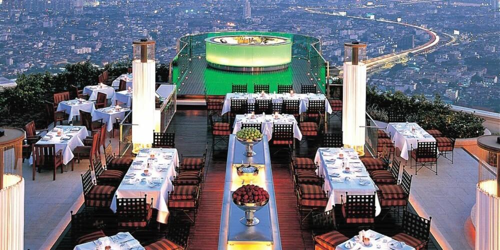 HØYT OVER BANGKOK: Sirocco bar har en fantastisk utsikt over Bangkok.