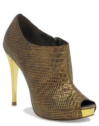DYRESKINN: Sko med slangeskinnmønster fra Asos (kr 900).