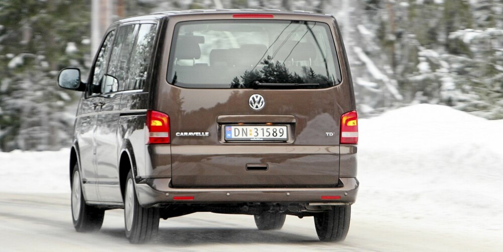 IKKE SPENNENDE: VW Caravelle er ikke en bil man kjøper fordi man har lyst, men fordi den dekker svært mange behov.