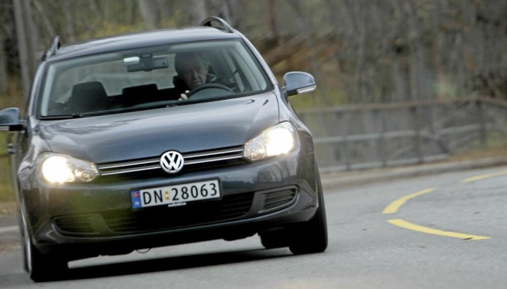 TOYOTA VINNER: Men kun sammenlagt - for det er VW Golf som er mest solgte modell. Sjekk testene av de ti mest populære.