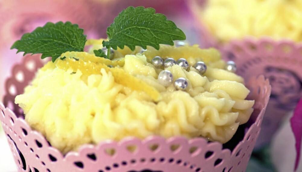 CUPCAKE MED SITRON: Enda en tvist på cupcake...