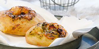 OPPSKRIFT PÅ PIZZABOLLER: Perfekte pizzaboller til både å spise hjemme og å ta med ut på tur!