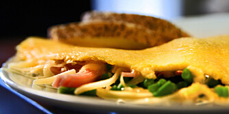 Raks middag: Her får et supertips om hvordan du lager omelett til middag.