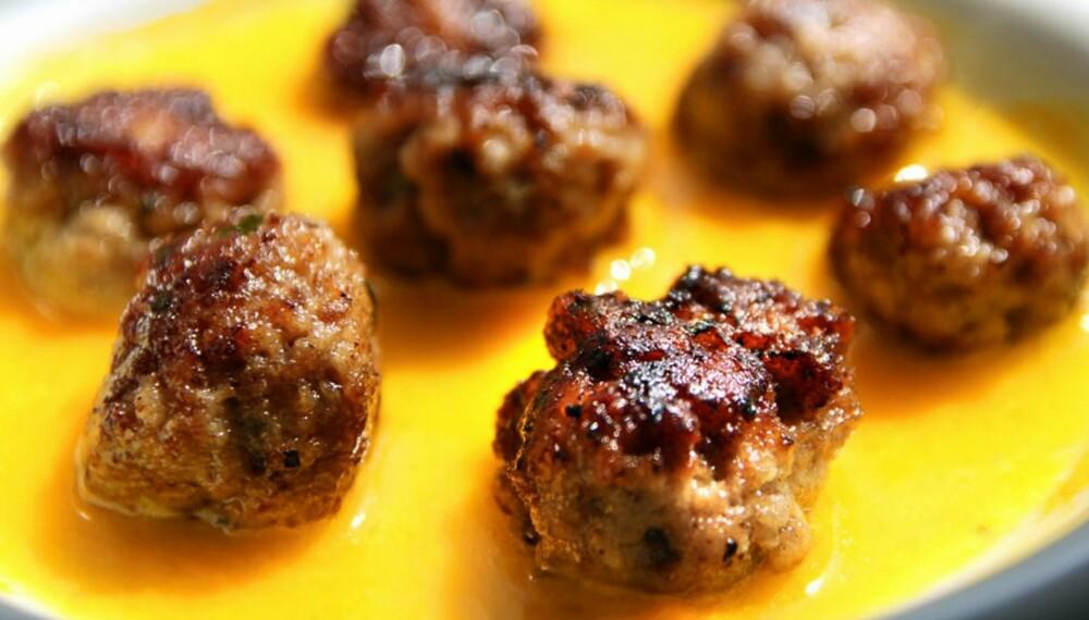 OPPSKRIFT MED KJØTTDEIG: Kjøttboller i safransaus.