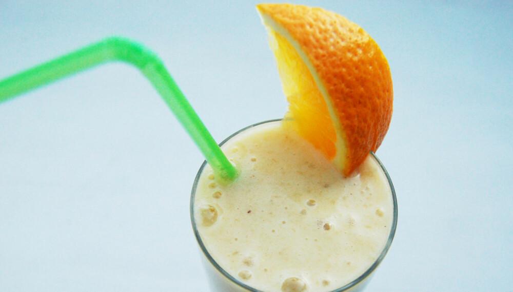 JULESMOOTHIE: Med banan, ingefær, appelsin og kanel.