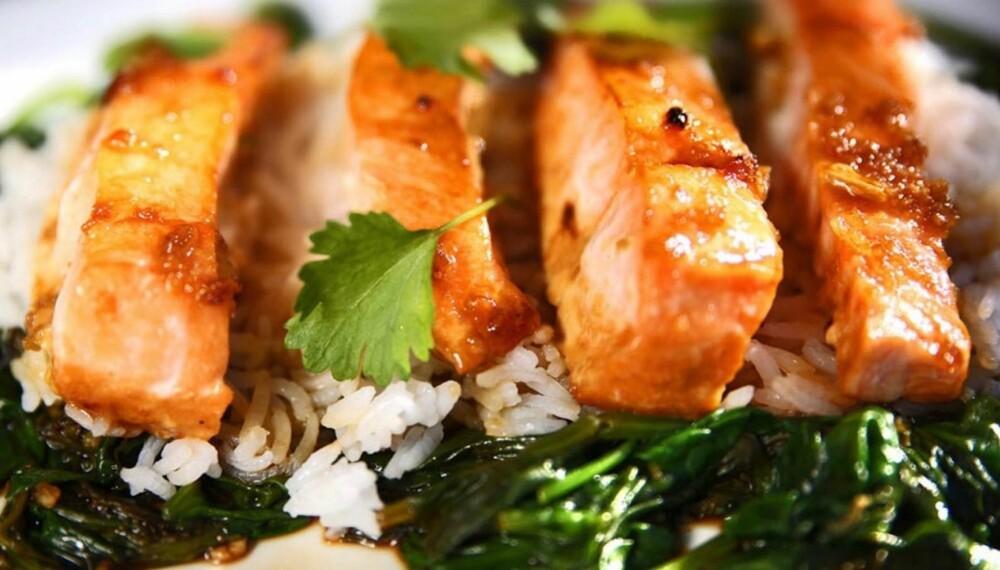 ENKELT: Å lage en asiatisk vri på laksen er både enkelt og godt.