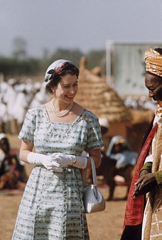 I YNGRE ÅR: Dronningen var riktig så stilig på dette bildet fra 1956. Det ble tatt da hun besøkte Nigeria.