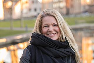 ROLIG: Matchmaker Ane Hagen mener vi kan ha godt av å holde oss i skinnet. Foto: Privat.