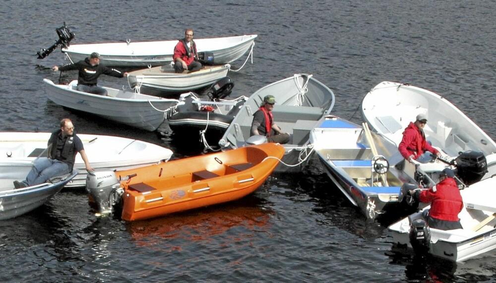 GOD HÅNDFULL: Vi samlet 15 småbåter til test for å gjøre valget litt enklere for deg. Foto: Egil Nordlien HM Foto