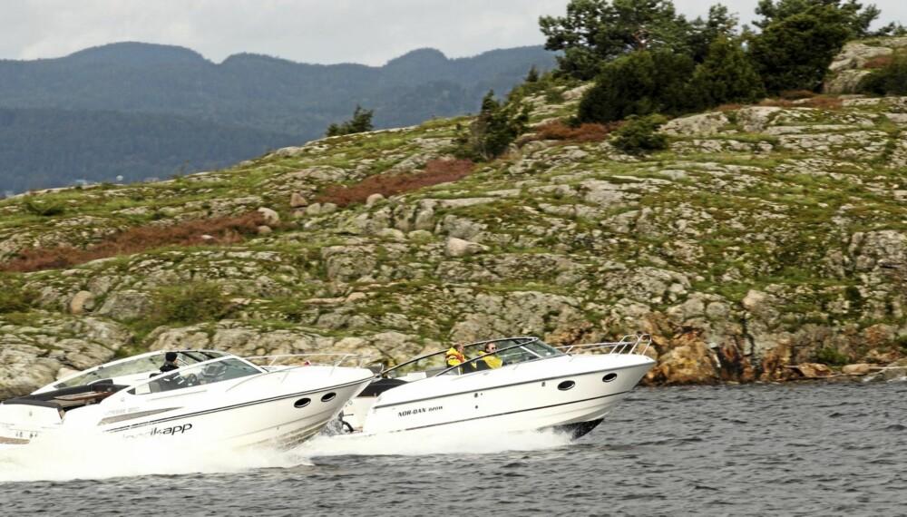 VALGET: I Nordkapp 850 har man satset på hekkaggregat, og i dagens båtverden er det ensbetydende med en turbodiesel. Til Nor Dan 820 har man valgt en stor, moderne påhengsmotor. Dette resulterer i helt forskjellige kjøreopplevelser for de to båtene.