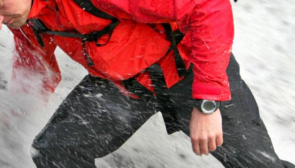 TØFFE TAK: John Arne Tungen har testet klokker for aktivt friluftsliv.
