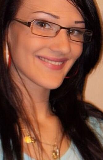 FRISØR: Hilde Christina Oberti Tyldum har tatt en nærmere titt på ingrediensene i hårproduktene.