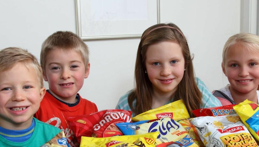 TESTPANELET: Birk (6) (f.v.), Jakob (6), Dina (10) og Michelle (10) har testet potetgull for Foreldre & Barn.