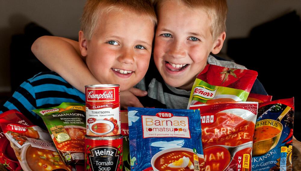 SUPPER MED TOMAT: Andreas (8) og Henrik Fjeld (10) er mer glad i tomatsuppe enn tomater.