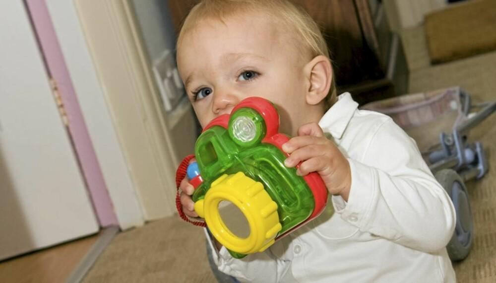 LEKETØY: Ikke alle leker er like bra å ha inntil øret. Leken på bildet er ikke med i testen.