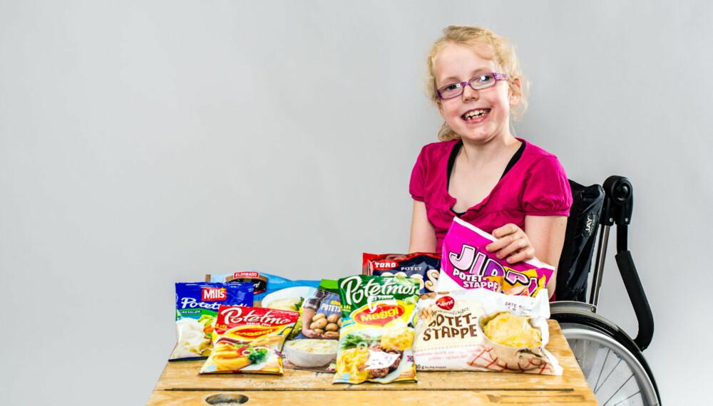 TEST AV POTETMOS: Kan jeg få smake på alle, lurer Sarah Tegler (7) på.