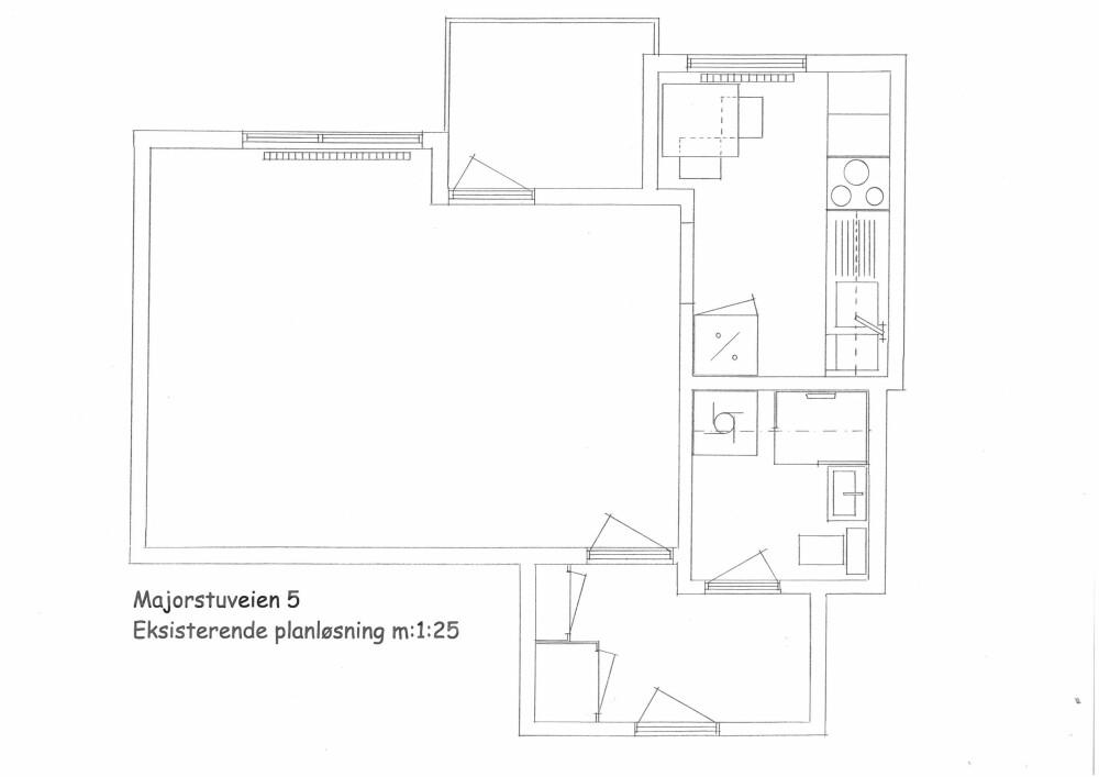 Gammel planløsning. Legg merke til kjøkkenet i rommet øverst til høyre. Dette ble flyttet, se neste bilde.