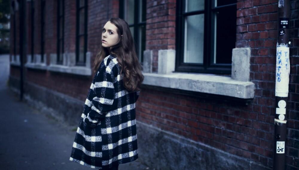 TAR FORHÅNDSREGLER: Lill Sofie Wilsberg (20) tar forhåndregler hvis hun går alene i mørket.