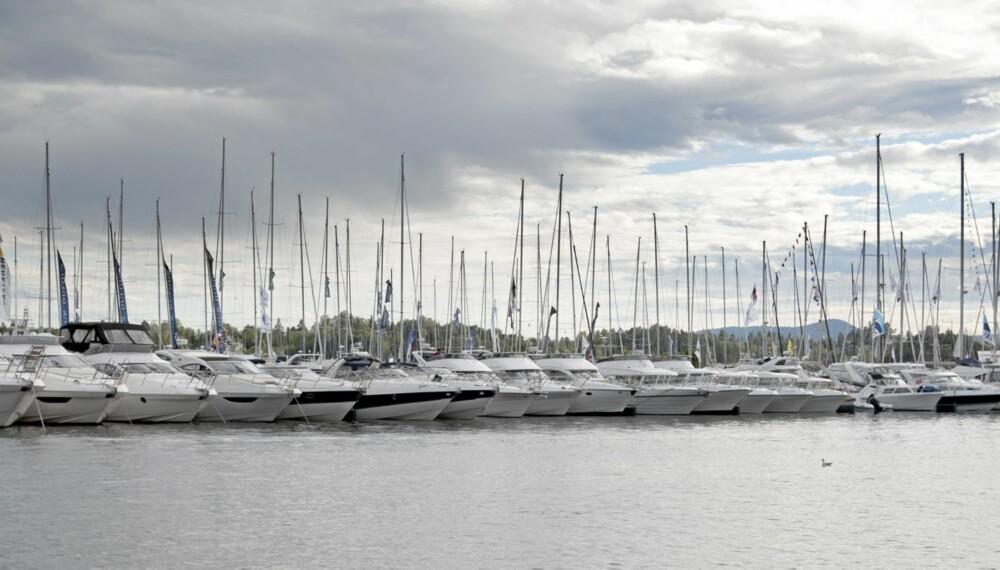 Båter i sjøen 2010 Båtmesse Båt