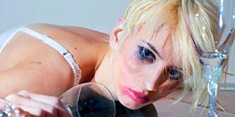 FULL: Det er kanskje det absolutt dummeste du gjør i et bryllup; drikke for mye.