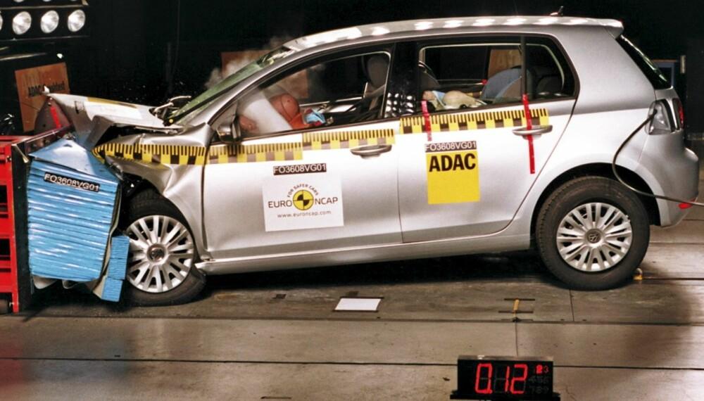 AUDA: Dette gjør uansett vondt - men Euro NCAP rangerer VW Golf som den aller sikreste bilen å krasje i etter de nye testkriteriene fra 2009.