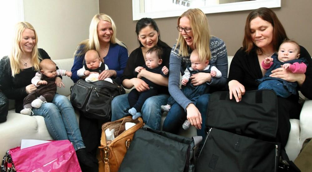 TESTPANEL M/ BABY & BAG: (f.v.) Maria m/ Tuva, Anne m/ Leon, Trine m/ Magnus, Ingrid m/ Jenny og Anne Lise m/ Eira.