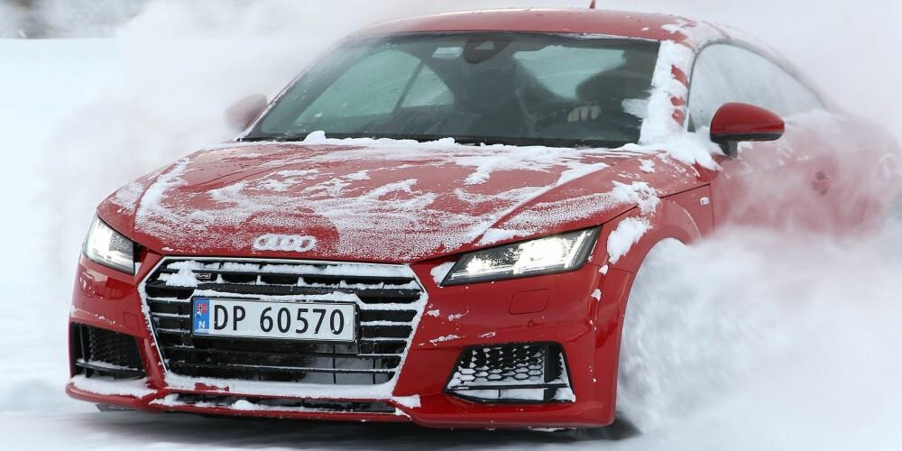 ET LEKETØY: Audi TT Quattro byr gjerne opp til dans på glatt føre. Vi lar oss imponere over hvor raskt firehjulsdriftsystemet jobber.