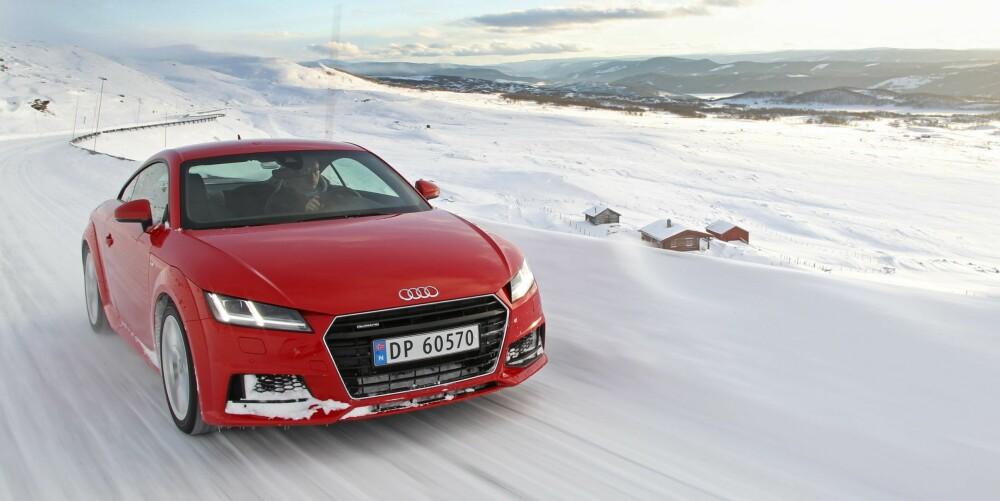 VINTERBIL: Med firehjulsdrift og fantastisk balanse, er Audi TT egentlig en perfekt vinterbil.
