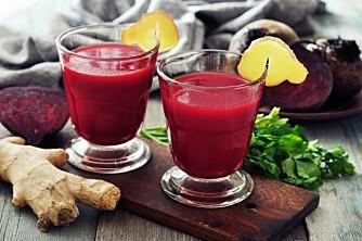 RØDBETJUICE: Syltete rødbeter er også gode å lage juice av.