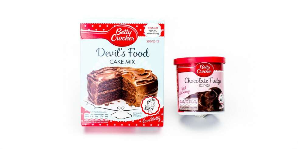 TEST AV KAKEMIKS: Betty Crocker Devil's Food cake mix.