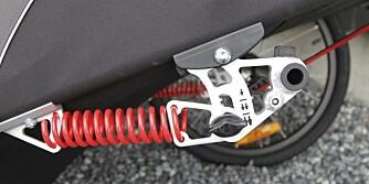 DETALJENE  SKILLER: Detaljer som denne finjusteringen av dempingen i Burley-vogna, viser kvalitetsforskjellene mellom sykkelvognene i testen.