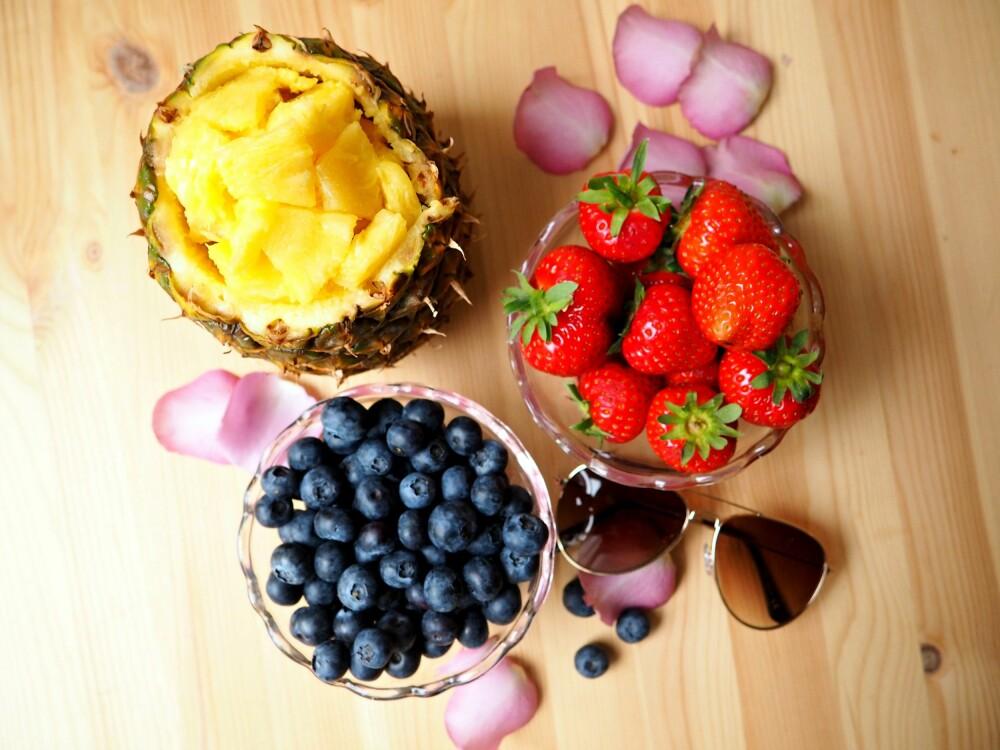 SØTT: Frukt og bær inneholder vitaminer, mineraler, fiber og antioksidanter, og kan nytes med god samvittighet.