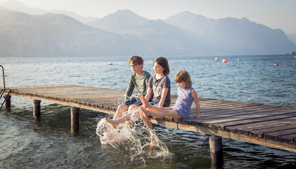 GARDASJØEN MED BARN: Reiser du til Gardasjøen med barn er det mye du kan finne på, som for eksempel å dra på fornøyelsesparken Gardaland. FOTO: Getty Images.