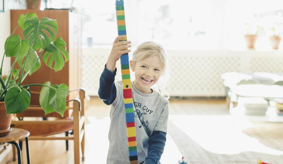 BARN OG FØLELSER: Alle vil ha et glad barn, men barnet ditt trenger ikke nødvendigvis psykologtimer selv om det sliter med å takle følelser. FOTO: Getty Images.