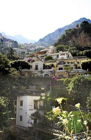 FAMILIEFERIE I ITALIA: Vesuv var en fin opplevelse for både store og små. FOTO: Karine Næss Frafjord.