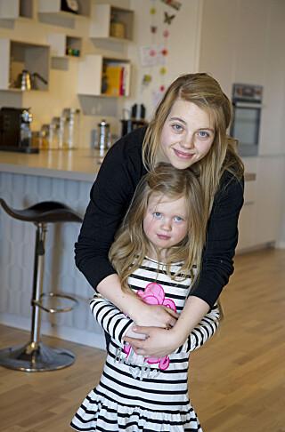MOR OG DATTER: Lill Iren fant mye trøst i datteren Jenny da hun var syk. Men hun slet også med at hun følte at hun ikke strakk til som mamma. FOTO: Ingun A. Mæhlum.
