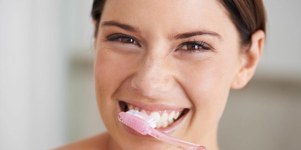 TANNSTEIN: For å forebygge tannstein er et svært viktig med god tannhygiene, og regelmessig besøk hos tannlegen. FOTO: Getty Images.