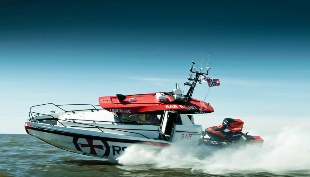 TIL UNNSETNING: Det skal gå raskt unna når den nye redningsskøyten skal ut på oppdrag. (FOTO: Terje Bjørnsen, Glenn Røkeberg og Hydrolift)