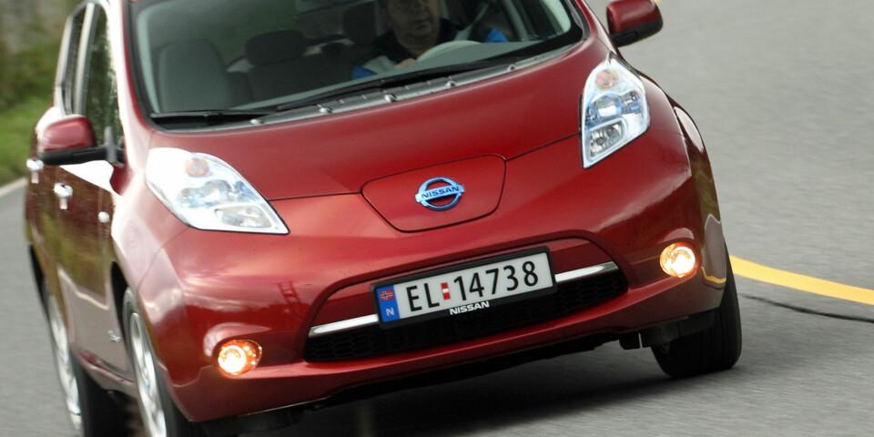 VIKTIG SJEKKPUNKT: Bilens historie er et av flere viktige sjekkpunkter ved kjøp av brukt elbil. Denne Nissan Leaf er fem år gammel.(FOTO: Terje Bjørnsen)