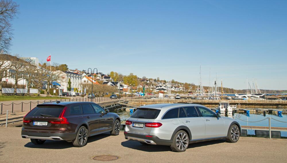 GLIR INN: Nyhetene fra Volvo og Mercedes passer like godt i en fjordidyll som foran laftehytta til fjells. Uansett hvor de er på vei, ter de seg godt. (FOTO: Terje Bjørnsen)