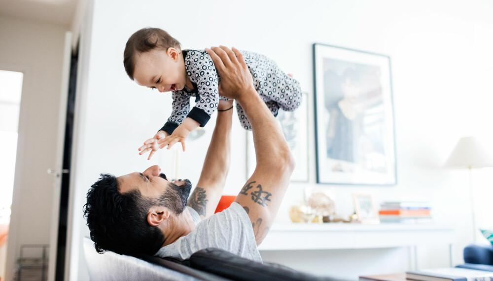 PAPPAPERMISJON: Fedrekvoten er på 10 uker og kan tas når som helst i permisjonstiden, unntatt de seks første ukene etter fødsel. Foto: Getty Images