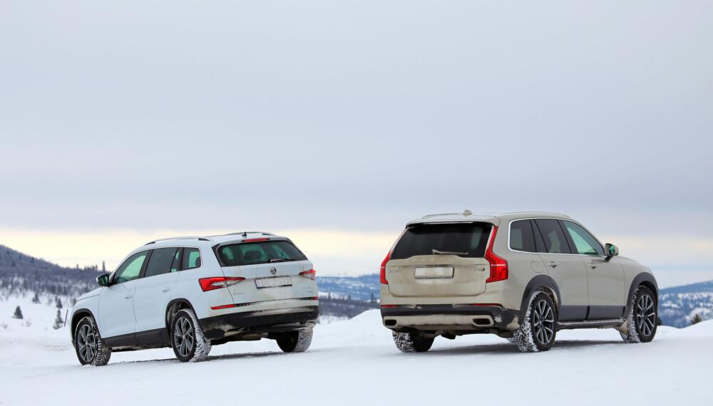 GOD PLASS: Både Skoda og Volvo kjennetegnes ved at de svært god plass. (FOTO: Terje Bjørnsen)