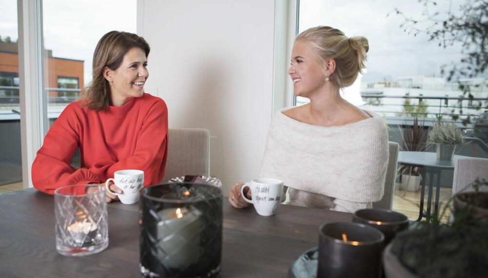 STÅ OPPREIST INNI DEG: Budskapet på koppene er ikke å ta feil av. Tenk gode tanker om deg selv. FOTO: Anne Elisabeth Næss.