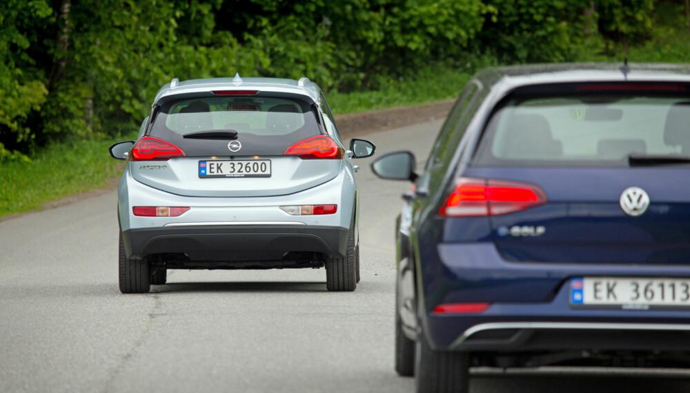 REKKEVIDDE: Nå rekker også VW e-Golf ganske langt. Men i rekkevidde har den ikke nubbsjanse mot Opel Ampera-e. (FOTO: Terje Bjørnsen)