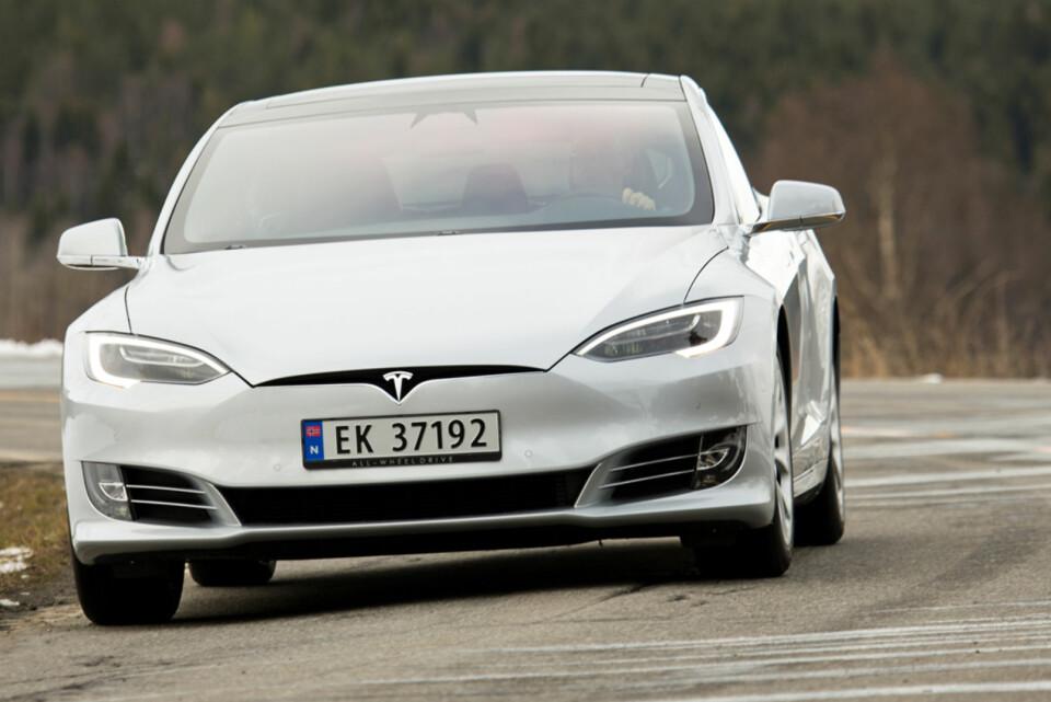 RIMELIGST: Model S 75 koster minst av Teslaene, men overbeviser. (FOTO: Terje Bjørnsen)