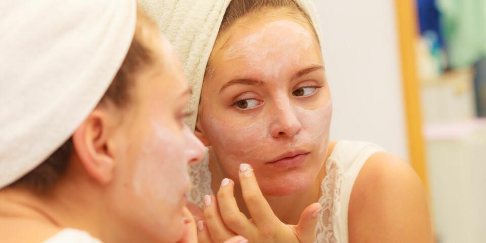 TØRR HUD: Riktige produkter kan være med på å påvirke tørr hud i ansiktet.