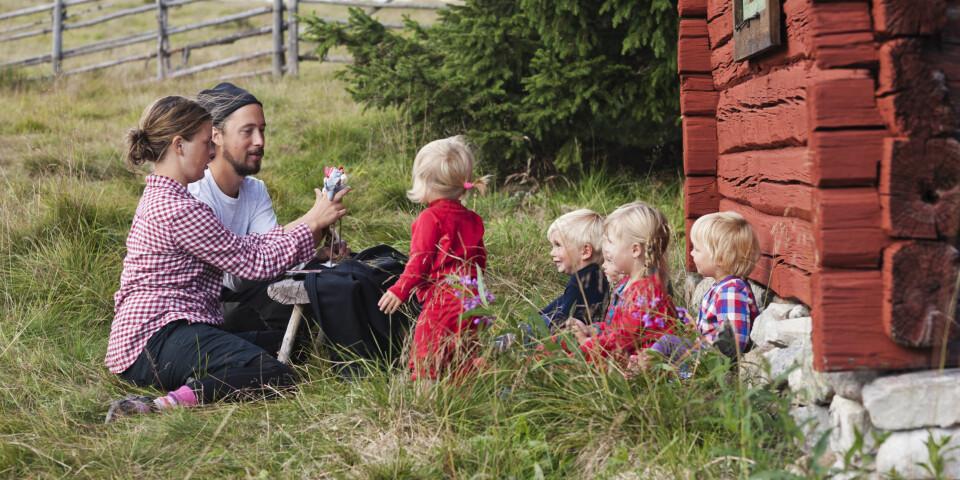 FAMILIEBARNEHAGE: Det kan være flere årsaker til at noen velger en familiebarnehage til sitt barn. Foto: Gettyimages.com.